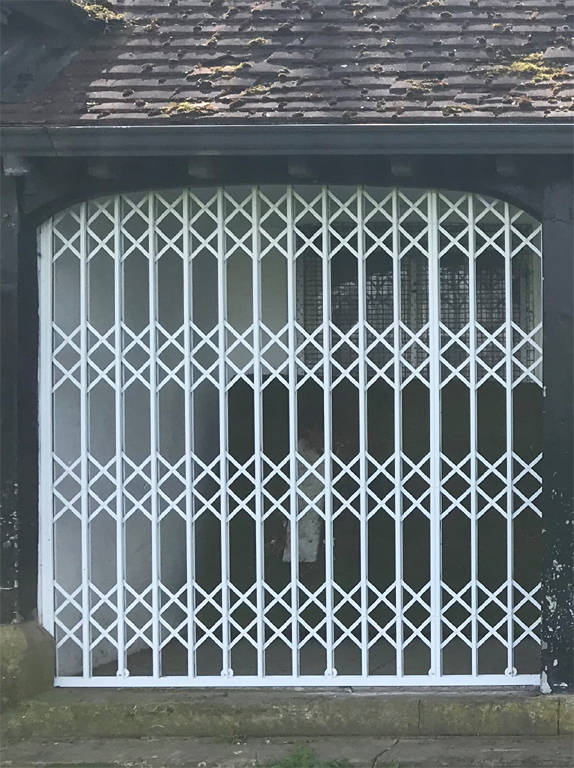 Sliding grilles and gates. total protection, vandals, burlar proof. Total security shop fronts, garages, yards.